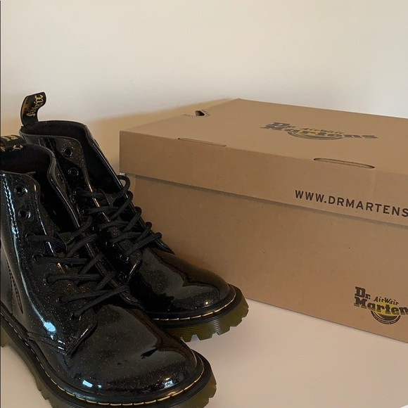 NEW IN THE BOX DR MARTENS GUNMETAL COATED GLITTER BOOTS FOR KIDS